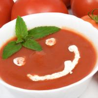 Rīvētu tomātu zupa